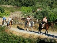 Paseo a caballo en municipio de Eljas