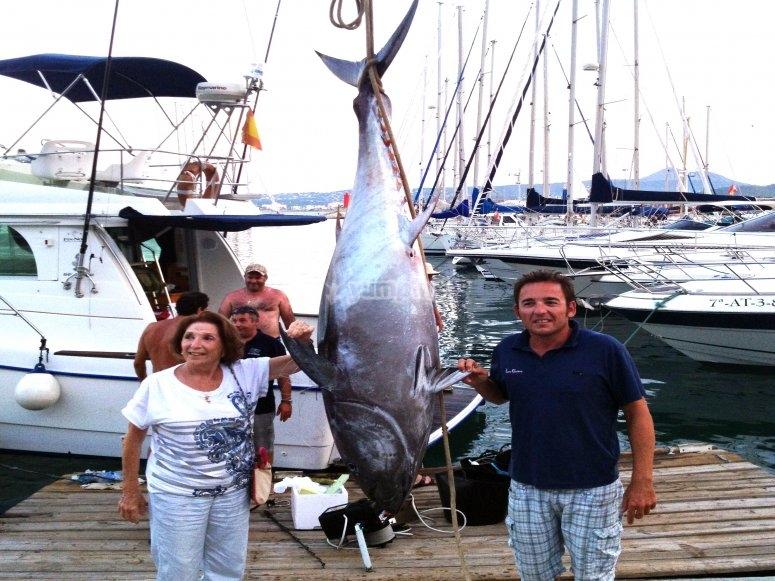 渔船在德尼亚