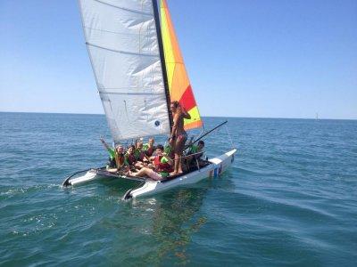 Curso de catamarán para niños en Huelva