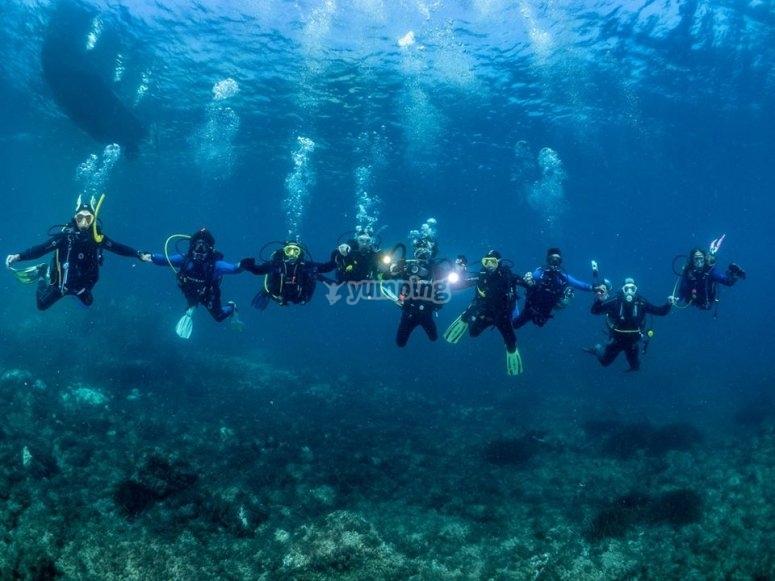 Friends diving in Cabo de Gata