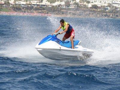 Jet ski a Lanzarote per una persona 20 min