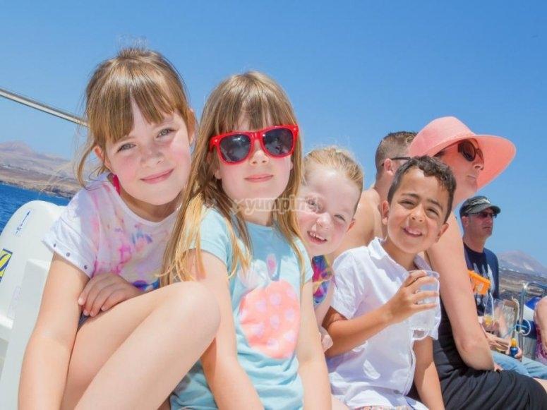 Niños en el catamaran