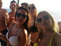 PlayadelInglés酒店的船上派对开放式酒吧