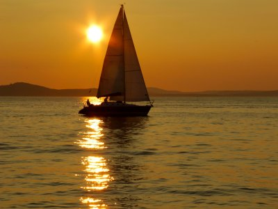 Night in Sailboat w. Dinner and Sunset, Vilanova