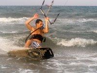 Experto en kite en el agua
