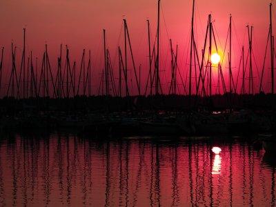 晚餐可供4人或以上在帆船上度过