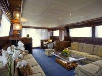 Reuniones privadas, firmas de acuerdos en barco con total privacidad