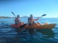 Con la costa de Calpe al fondo en kayak