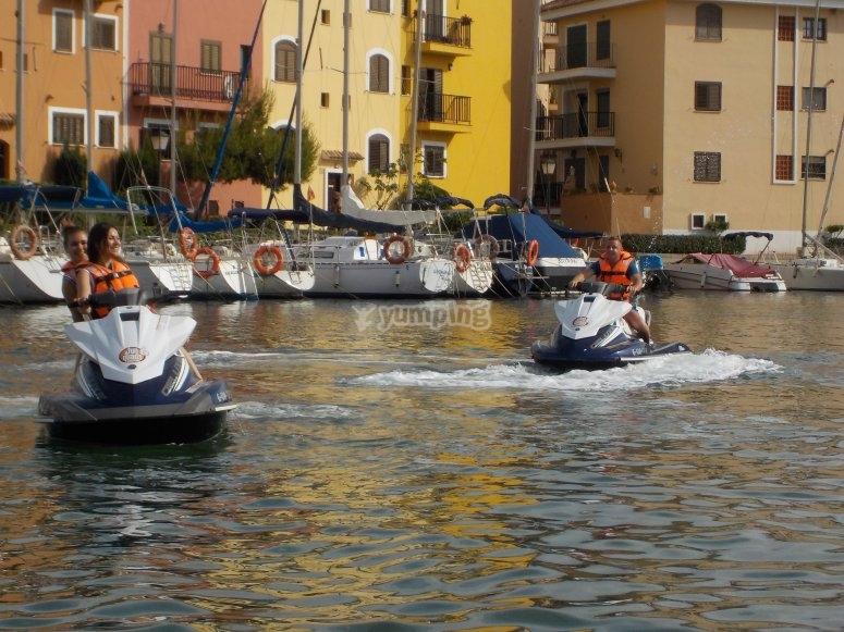 喷气滑雪在巴伦西亚港口租赁