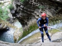 canyoning rappelling