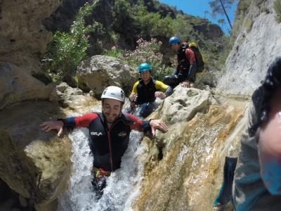 在RíoVerde的夫妇中进行峡谷漂流