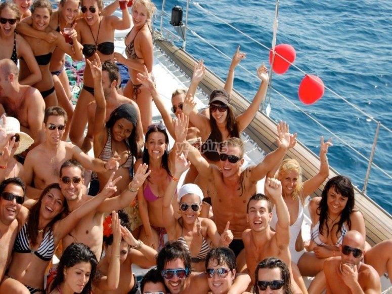 Despedida de soltera party boat Barcelona