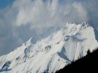 山上满是雪