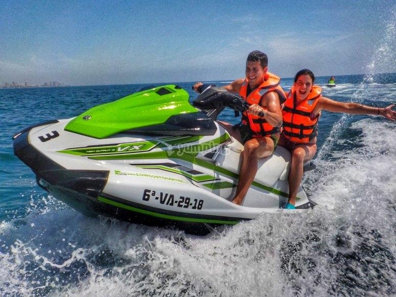 Diversión y adrenalina en la moto de agua