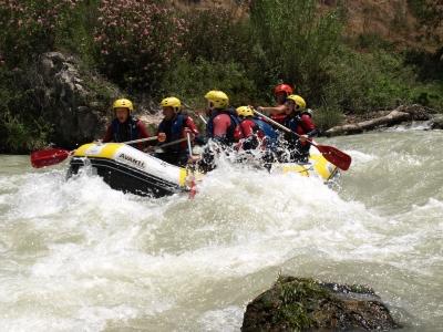 Descender en rafting el río Genil especial grupos