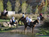 Recorriendo el campo a caballo