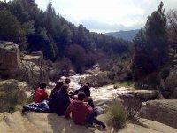 在Sierra de Madrid游览学校徒步旅行