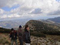 In piena escursione attraverso la montagna