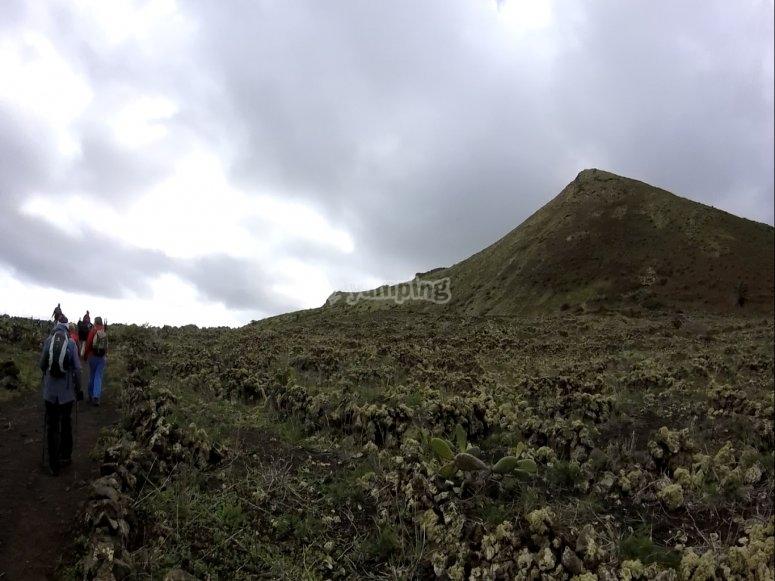 Caminando hacia el crater