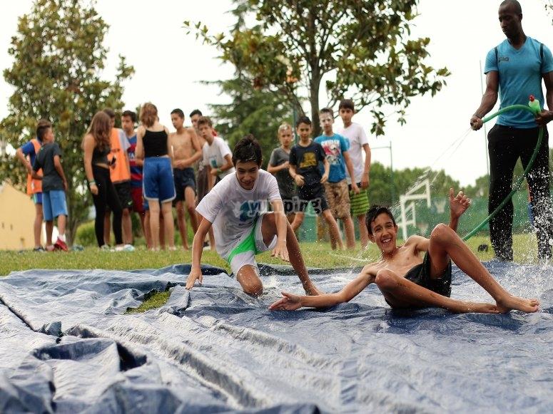 Divertidas actividades en el campamento