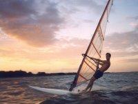 风帆日落冲浪风筝
