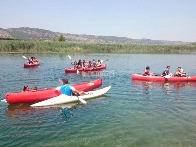 A bordo delle canoe