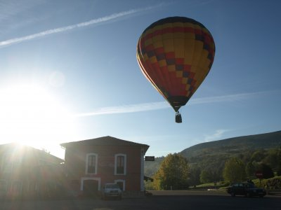 Hot air balloon tour for couples, Asturias