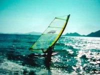 Practicando el windsurf
