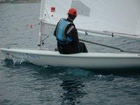 唤醒显示器帆船赛和赛车帆