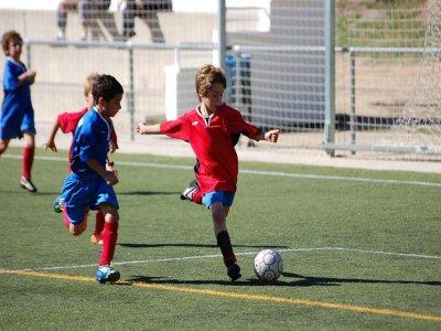在Sant Cugat的校园足球2周