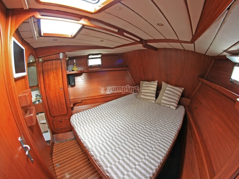 VIP bedroom on the bow