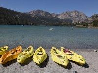Disfrutando del mar en kayak