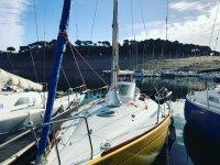Barcos en el muelle del embalse