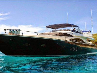 Alquiler de barco Cherokee en Ibiza por días