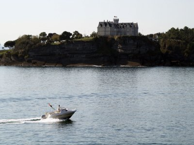 Rent a boat Santander  for 1 day July