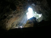 儿童可以参观Cueva Negra deTrago
