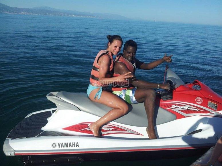 两人座水上摩托艇