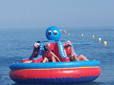 Aqua rocket banana boat y octopus en Torremolinos