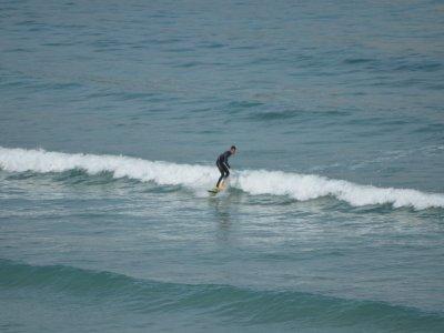Clase de surf en Bastiagueiro en A Coruña