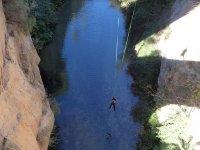 Sobre el rio tras el salto