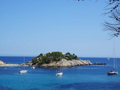 Noleggia una barca Hanse 411 a Ibiza per un giorno