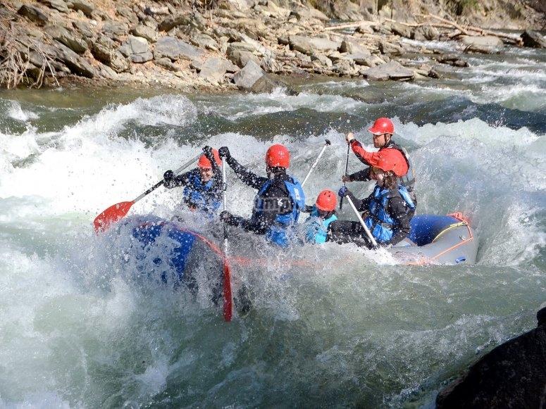 在Noguera Pallasera河中漂流