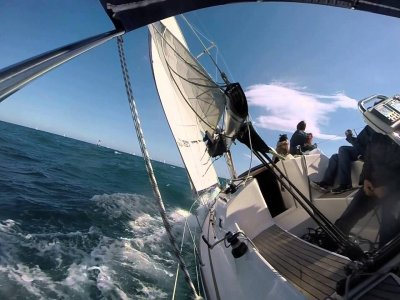 Excursión en velero por Vilanova para niños