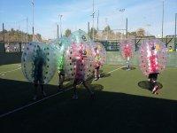 partidito de futbol en burbuja
