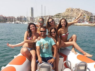 Fiesta en speed boat en Alicante 2 horas 30 min