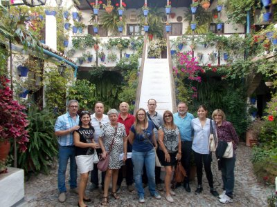 Guided tour in Cordoba courtyards and Alcazar