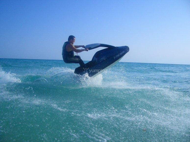 Turns jet ski