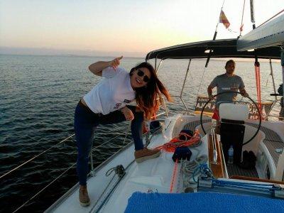Alquilar velero con patrón Santa Pola 1día T. Baja