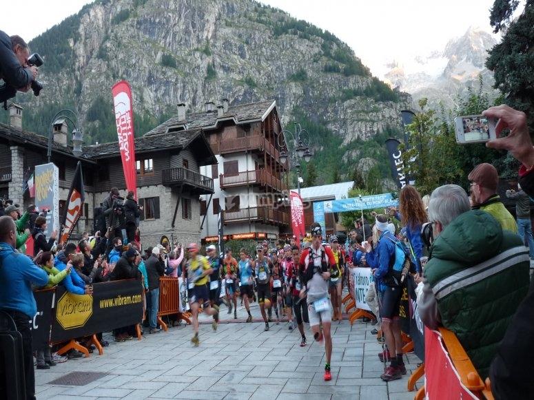 Run Pirineos Trail Running car