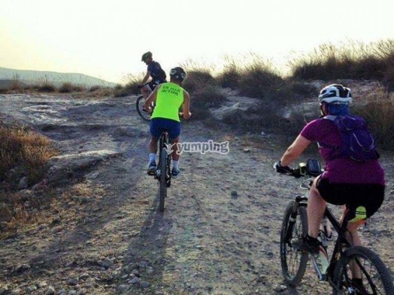 Andare in gita in bicicletta